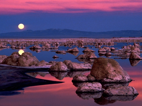 moonrise-at-mono-lake-california-by-wallover